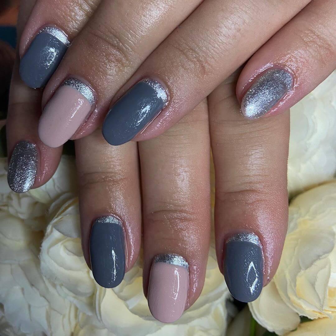 uñas grises con plata y natural