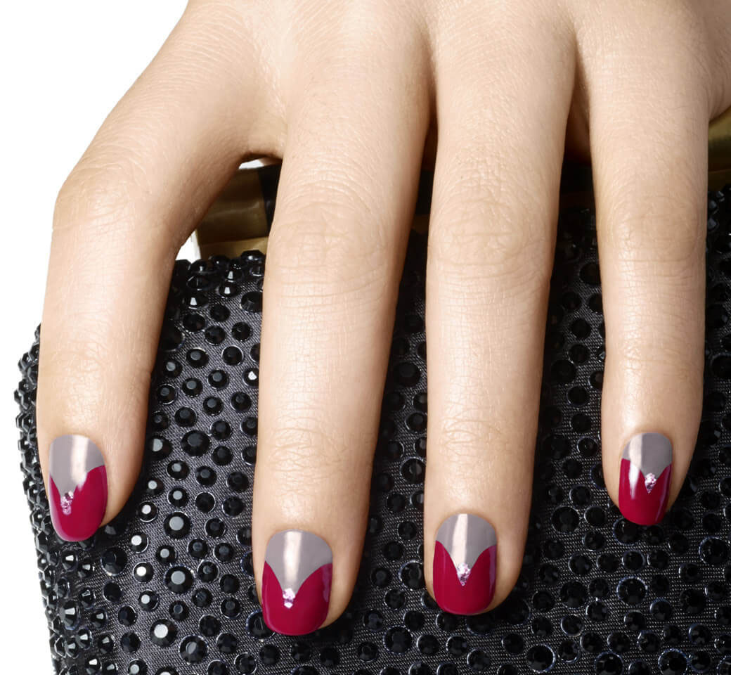 uñas grises con rojo